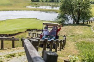 f360-lt-fotografai-renginiam-golfo-masinyte-kyla-i-kalna_