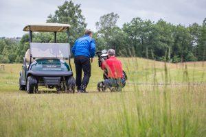 fotografuoja-renginius-sporto-renginiu-komercinis-fotografavimas-golfo-zaidejai-ir-golf-cartas