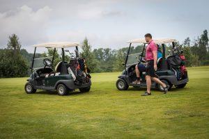 fotografuoja-renginius-sporto-sventes-asmenines-fotosesijos-golfo-masineles-ir-golfo-zaidejas-aiksteje