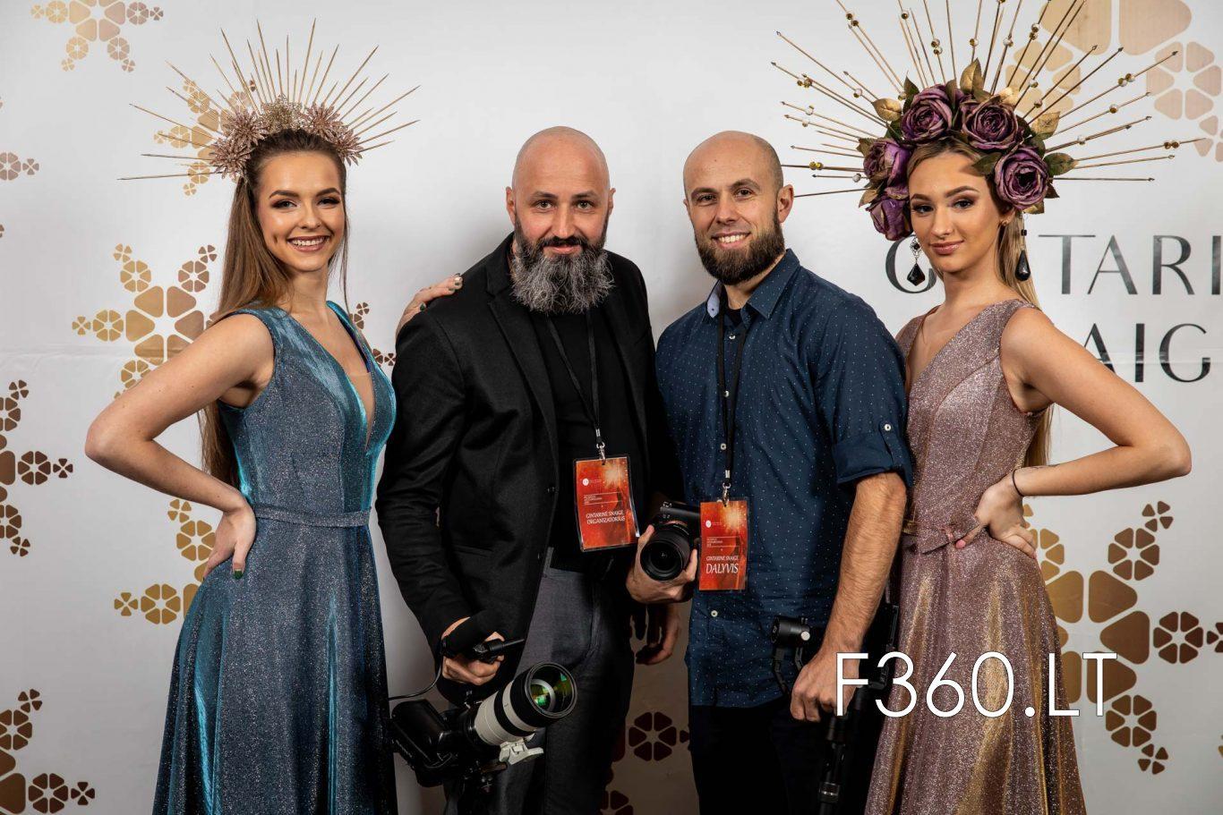 Fotografavimas Prie Fotosieneles Su Papildomais Softbox'ais F360.lt 3t4a3340